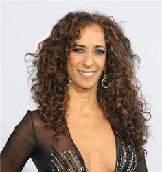 ROSARIO cantante n.en 1963 (hija de Lola Flores y Antonio González) española Spanish Musicians, Iconic Women, Female Singers, Wonder Woman, Actors, Long Hair Styles, American, Spanish Gypsy, Beautiful