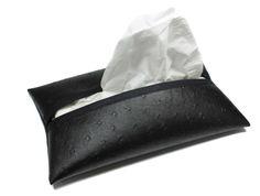 pochette à mouchoirs format boîte en faux cuir autruche noir, décoration maison