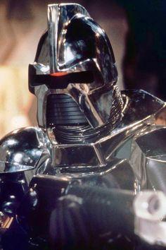 A Cylon Centurion takes aim in Battlestar Galactica (1978).