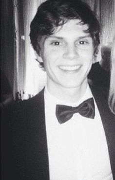 Evan Peters. How are you so cute?