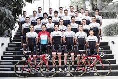 Trek Factory Racing @TrekFactory Team photo at the official team presentation? ow.ly/Hd3X3 pic.twitter.com/Tyf8zti5QN