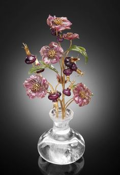 Immortal flowers - Manfred Wild process decoration of gem Manfred Wild was born in 1946, is a well-known German gem craftsman.