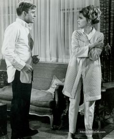 Barefoot in the Park - Publicity still of Jane Fonda & Robert Redford Hollywood Actor, Classic Hollywood, Hollywood Glamour, Famous Movies, Old Movies, Robert Redford Movies, Sunday In New York, Barefoot In The Park, New York Outfits