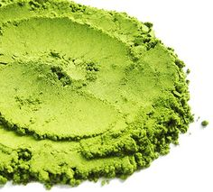 Matcha Green Tea: Our matcha tea is fresh from Shizuoka, Japan. This high-grade green tea powder makes traditional matcha as well as green tea lattes! Green Tea Smoothie, Tea Smoothies, Japanese Matcha Tea, How To Make Matcha, Matcha Tee, Pure Green Tea, Rich Tea, Organic Matcha, Matcha Green Tea Powder
