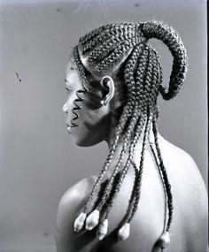 Les coiffures africaines de J.D Okhai Ojeikere Okhai Ojeikere hairstyles 09 662x800