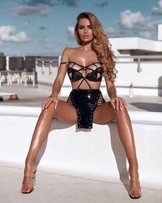 Bodysuit, Elegant Girl, Mini Club Dresses, Sexy Poses, Beach Girls, Hot Dress, Sexy Legs, Gorgeous Women, Beautiful