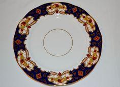 Beautiful Royal Albert Heirloom Dinner plate