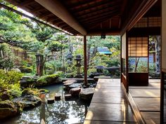Most up-to-date Pic Zen Garden architecture Popular You will find modern gardens, contemporary gardens, Zen gardens, stone gardens, and a lot of others. Garden Architecture, Architecture Design, Garden Design, House Design, Water Features In The Garden, Earthship, Japanese House, Exterior Design, Future House