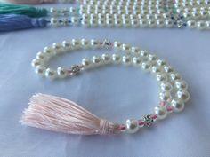 Muslimah Brides - Muslim Wedding Favors - Tasbih - Islamic Prayer Beads - Muslim Bride - Tasbeeh - Misbaha - Islamic Gifts - Islamic Wedding Gifts by BarakaBeadsBoutique on Etsy https://www.etsy.com/listing/472075417/muslim-wedding-favors-tasbih-islamic