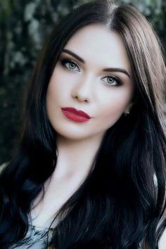 Gothic Girls - Visit www. Irish Women Beautiful, Most Beautiful Faces, Beautiful Girl Image, Beautiful Women Pictures, Beautiful Eyes, Beautiful Red Hair, Beauty Full Girl, Beauty Women, Hot Goth Girls