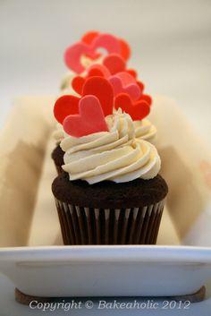 Queen of Hearts Valentine's Cupcakes | b a k e a h o l i c