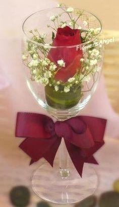 copas decoradas con flores como centros de mesa - Buscar con Google