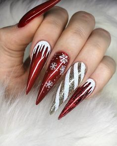 Cutest and Festive Christmas Nail Designs for Celebration Gorgeous Stiletto Red Christmas Nails with Golden & White Candy Cane Accent Nail!Gorgeous Stiletto Red Christmas Nails with Golden & White Candy Cane Accent Nail! Chistmas Nails, Cute Christmas Nails, Xmas Nails, Red Nails, Gradient Nails, Christmas Glitter, Winter Christmas, Christmas Tree, Christmas Holiday