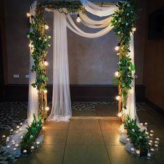 Уютно, минималистично, мягкий свет и свежий цвет зелени - так было на свадьбе Тани и Егора 3 марта 2017 года :)