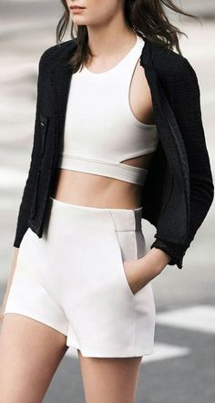Sport chic outfit white tops 23 Ideas for 2019 Sport Fashion, Look Fashion, Street Fashion, Womens Fashion, Fashion Design, Fashion Trends, Gothic Fashion, Milan Fashion, Look Athleisure