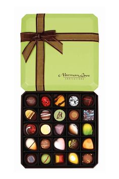 2015 New Core Line 25 piece gift box Norman Love, Chocolate Boxes, Birthday Stuff, Creative, Core, Gifts, Plate, Gift Ideas, Christmas