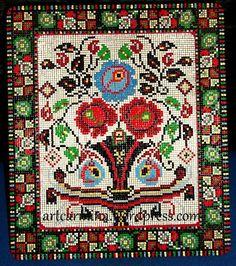 Carmen Brancoveanu, pasionata de motivele populare romanesti ... Bohemian Rug, Cross Stitch, Arts And Crafts, Mai, Home Decor, Punto De Cruz, Decoration Home, Room Decor, Seed Stitch