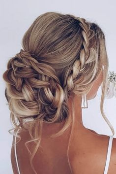 Prom Updo - Prom, Formal + Homecoming Hairstyles G. - Prom Updo – Prom, Formal + Homecoming Hairstyles goldplaited prom updo German Book your photos u - Oscar Hairstyles, Homecoming Hairstyles, Wedding Hairstyles For Long Hair, Wedding Hair And Makeup, Hairstyle Wedding, Gorgeous Hairstyles, Updo For Long Hair, Wedding Ponytail, Wedding Updo With Braid