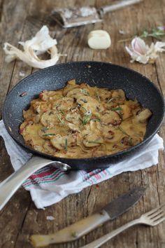 Una receta ideal para rellenar en tartaletas, acompañar cualquier carne a la plancha o un plato de pasta. Vaya que nos da mucho juego. ...