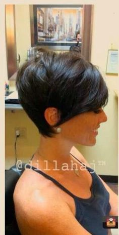 Just when i want to grow my hair out. I see this! What a cute pixi cut.                                                                                                                                                     More
