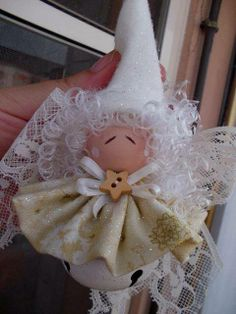 this would be adorable as a baby's Christmas ornament! Christmas Crafts For Gifts, Christmas Ornament Crafts, Christmas Bells, Christmas Angels, Christmas Projects, Christmas Holidays, Christmas Decorations, 1st Christmas, Angel Crafts