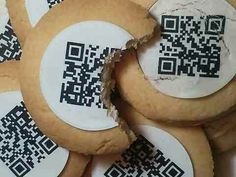 German food company comes up with cookies featuring QR codes printed on edible paper. The codes can be scanned to open a link to a Web site, a love note, or even a party invite. Event Marketing, Social Media Marketing, Marketing Ideas, Social Web, Mobile Marketing, Commercial Ads, Fortune Cookie, Creative People, Creative Ideas