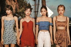 See all Jisoo HQ scan photos below from BLACKPINK Summer Diary 2019 in Hawaii. She looks absolutely beautiful and gorgeous Black Pink Lalisa Manoban, Blackpink Fashion, Korean Fashion, Kpop Girl Groups, Kpop Girls, Blackpink Youtube, Square Two, Flowery Dresses, Blackpink Members