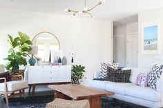 38 Chic Family-Friendly Living Rooms