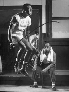 Sugar Ray Robinson (born Walker Smith Jr., 1921 - 1989). S)