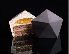 http://lifestyle.sapo.pt/sabores/novidades/artigos/os-incriveis-bolos-de-uma-arquiteta-apaixonada-pela-pastelaria?_swa_cname=sapo_fb