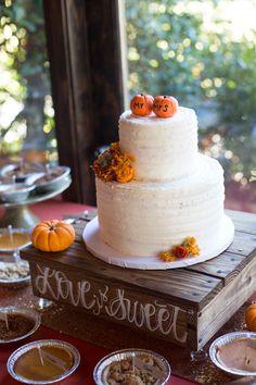 Fall Wedding Menu, Fall Wedding Groomsmen, Wedding Food Menu, Fall Wedding Cakes, Fall Wedding Decorations, Autumn Wedding, Wedding Cake Toppers, Wedding Blog, Wedding Stuff