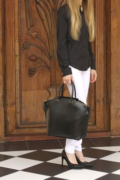 "TATYZ""s bag from F/W 14/15 collection: Mia leather tote bag in black calf leather"