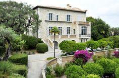 The Impressionist painter, Pierre Auguste Renoir, spent his last years at Les Collettes, a charming farmhouse, now the Renoir Museum in Cagnes-sur-Mer.