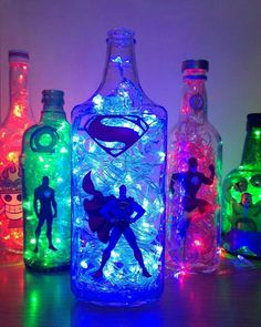 unglaubliche DIY-Ideen mit Superhelden-Thema incredible DIY ideas with superhero theme Marvel Room, Avengers Room, Superhero Room, Geek Decor, Bottle Crafts, Home Design, Interior Design, Diy And Crafts, Decor Crafts
