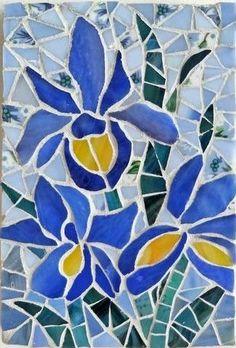 Iris Trio mosaic - by Shelly Heiss Designs Mosaic Tile Designs, Mosaic Tile Art, Mosaic Artwork, Mosaic Patterns, Mosaic Mirrors, Mosaic Garden Art, Mosaic Flower Pots, Mosaic Pots, Mosaic Glass