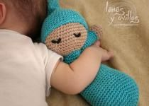 Make It: Crochet Sleepy Baby Doll - Free Pattern (Video is in spanish, but turn on subtitles for english!) #crochet #amigurumi