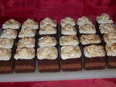 Prajitura cu mascarpone si ciocolata Krispie Treats, Rice Krispies, Something Sweet, Muffin, Cream, Cooking, Breakfast, Desserts, Food