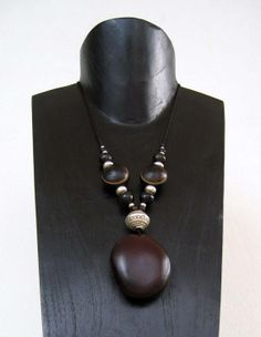 http://www.portail-guadeloupe.com/IMG/jpg/bijoux-graines-guadeloupe_7_.jpg