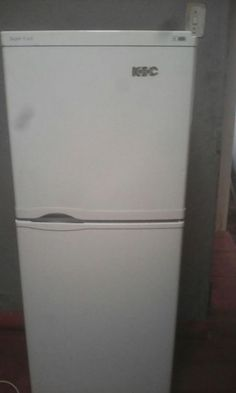 FRIDGE/FREEZER FOR SALE.THE FRIDGE IS IN A EXCELLENT WORKING ORDER. THE FRIDGE HAS ALL THE SHELVES WE CAN DELIVER ANY WARE IN PRETORIA OR JHB FOR A DELIVERY FEE. YOU CAN PHONE OR WHATSAPP ME ON 0738255907