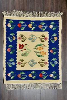 Covor romanesc Lucrat manual - lana traditional 90x86 - Motivul Bujori Traditional Rugs, Carpet, Printable, Flooring, Embroidery, Interior, Handmade, Home Decor, Folklore
