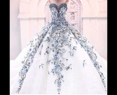 This would make a stunning sweet sixteen gown
