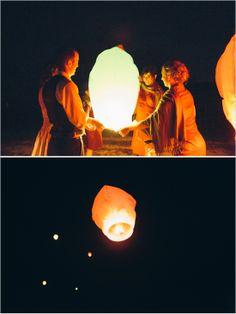 wish lanterns #paperlanterns #wishlantern #weddingchicks http://www.weddingchicks.com/2013/12/20/illinois-fall-wedding/