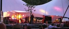 05/08 - 08/08/2013 Jazz in 't Park wil een zo breed mogelijk publiek laten kennis maken met de hedendaagse Belgische jazz, door gratis maar hoogstaande concerten te programmeren. Zowel gevestigde waarden als talent van eigen bodem kunnen er tussen de bomen ontdekt worden, dit zowel met licht verteerbare jazz als met het moeilijkere genre. - See more at: http://www.visitgent.be/nl/event-jazz-t-park#sthash.82Zm0Ea9.dpuf