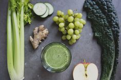 Grapes and Greens Smoothie Recipe - A refreshing green juice with a nice balance of greens, a little sweetness and a kick of ginger. Grape Recipes, Green Juice Recipes, Green Smoothie Recipes, Juice Smoothie, Smoothies, Vegan Recipes, Different Fruits And Vegetables, Clean Eating, Healthy Eating