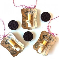 A quick, inexpensive handmade holiday gift:  Cookies n Cream Lip Balm! Free printable label/holder included!