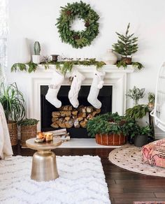 Sooooo all my intentions to put up holiday decor before Thanksgiving hasn't really come to fruition yet. But last year's winter scene sure makes me happy every holiday season my IG page fills up with tons of squares filled with tiny circles. What can I say? I love using simple organic wreaths in each room! How about you? #christmasdecor #bohochristmas