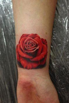 Tatuaje de flores en la muñeca - Flowera tatto in the wrist