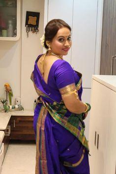 Plz talk on whatsApp Beautiful Girl In India, Beautiful Girl Image, Beautiful Saree, Beautiful Indian Actress, Beautiful Women, Beauty Full Girl, Beauty Women, Kashta Saree, Lehnga Blouse