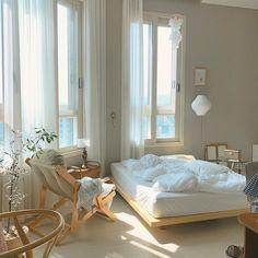 Room Ideas Bedroom, Bedroom Decor, Korean Bedroom Ideas, Bedroom Beach, Decor Room, Minimalist Room, Aesthetic Room Decor, Cozy Room, Dream Rooms