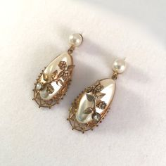 Gold and Pearl Long Vintage Earrings with Flowers and Rhinestones, Vintage Earrings, Vintage Jewelry, Vintage Vogue, Rhinestones, 1950s, Vintage Items, Women's Fashion, Drop Earrings, Pearls